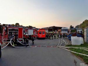 Einsatz 29 2018 LKW-Brand Recyclingbetrieb Obertraubenbach_1