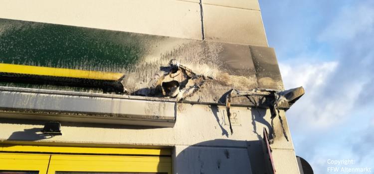 Einsatz 54 2018 Brand Werbetafel Einkaufszentrum Rodinger Straße_Beitragsbild