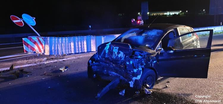 Einsatz 10 2019_Beitragsbild Verkehrsunfall B85 Cham-Süd