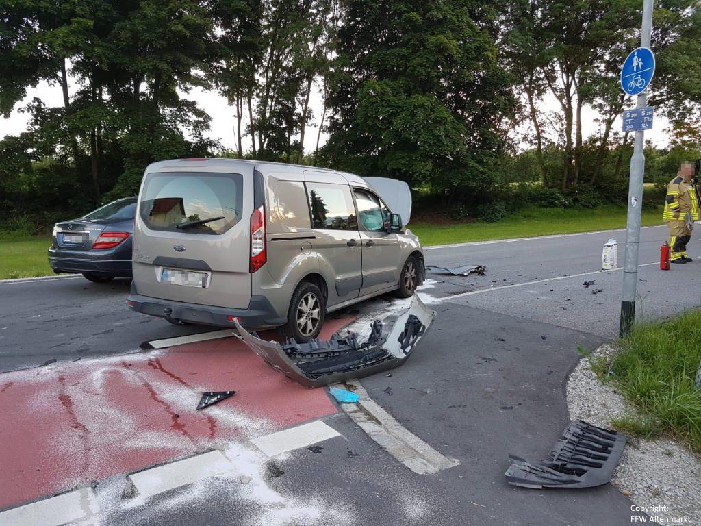 Einsatz 11 2019 Verkehrsunfall Altenmarkt 3