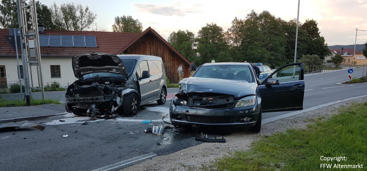 Einsatz 11 / 2019  Verkehrsunfall Altenmarkt