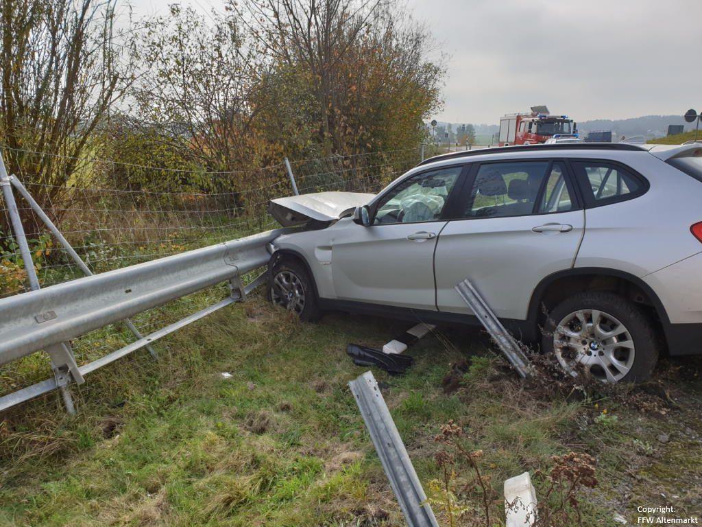 Einsatz 26 2019 Verkehrsunfall Auffahrt B85 Cham-West_1