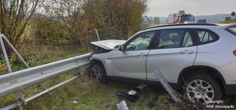 Einsatz 26 2019 Verkehrsunfall Auffahrt B85 Cham-West