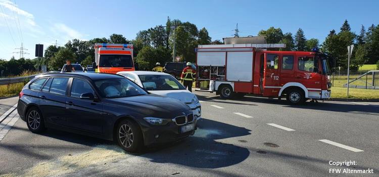 Einsatz 27 2020 Verkehrsunfall Bgm Schwinghammer Straße_Beitragsbild