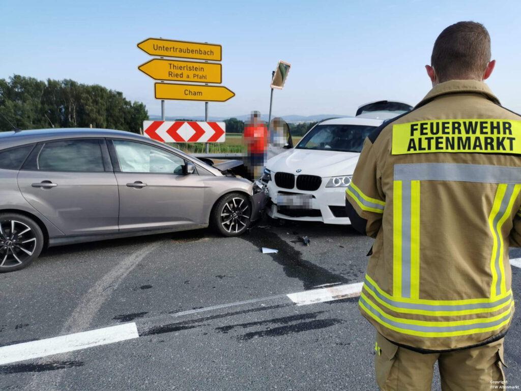 Einsatz 29 2021 Verkehrsunfall Nebenstraße B85 (1)