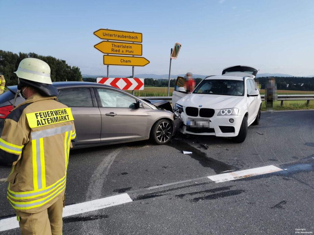 Einsatz 29 2021 Verkehrsunfall Nebenstraße B85 (4)