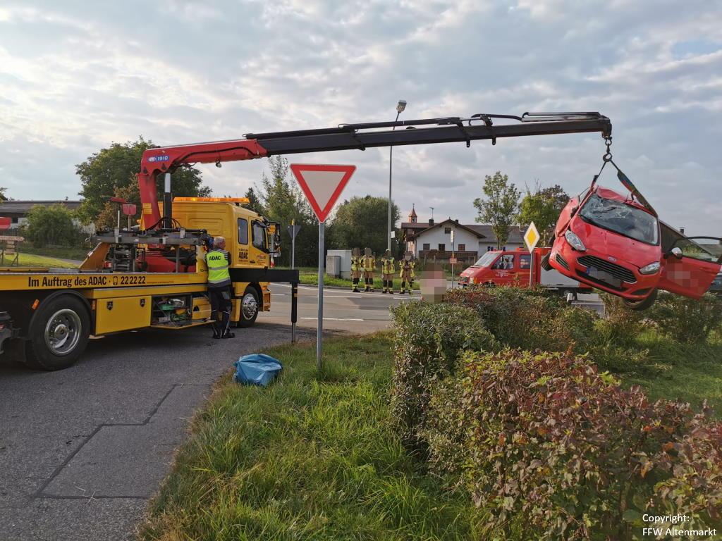 Einsatz 31 2021 Verkehrsunfall Scharlau (4)